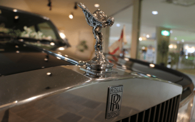 Close up image of the Spirit of Ecstasy the ornament on the bonnet of a Rolls-Royce car